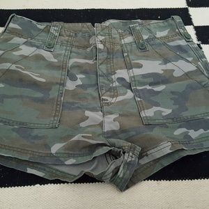 Free People high waist size 8 camo short
